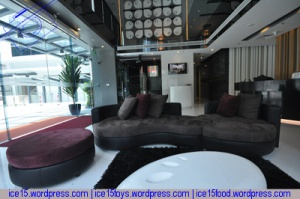 seacare hotel lobby