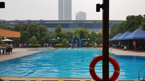 Marina mandarin singapore world of ice - Marina mandarin singapore swimming pool ...